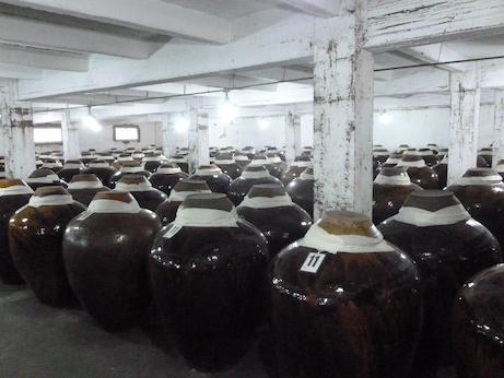 Ceramic baijiu aging vessels