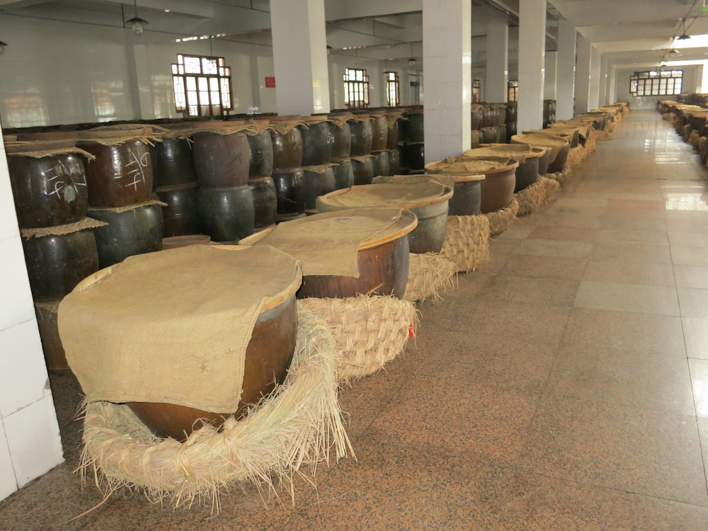 Rice baijiu production floor