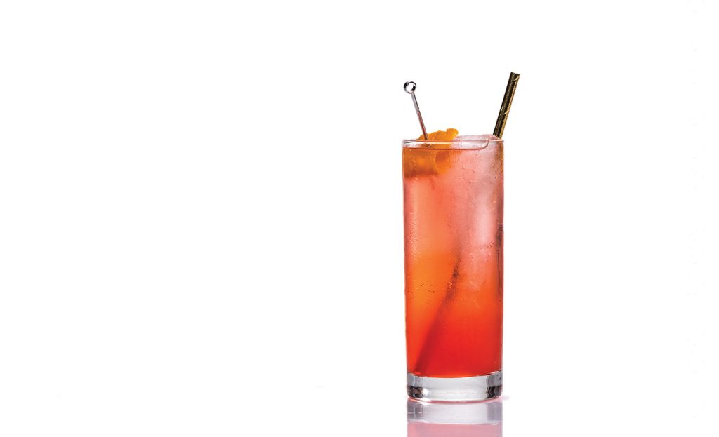 Red baijiu spritz