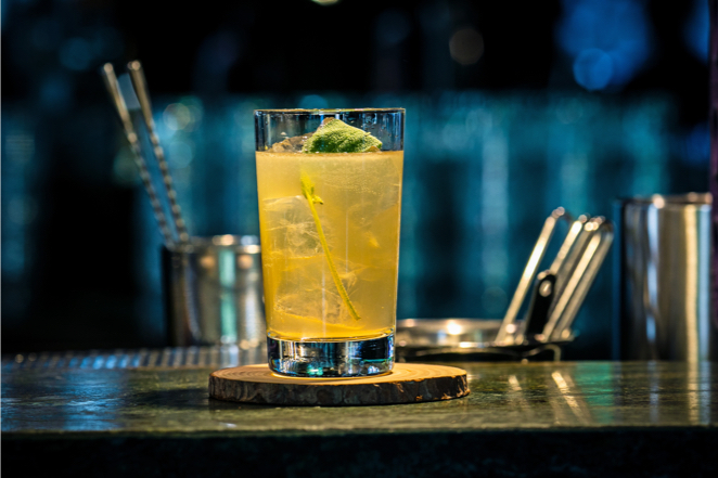 yellow baijiu highball